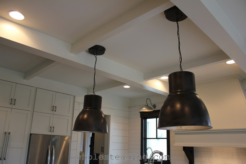 The kitchen lighting allows for a wide variety of lighting options